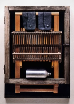 Fabio Mauri, Fratelli (Picnic o ll buon soldato) [Brothers (Picnic or The Good Soldier)], 1998. 
